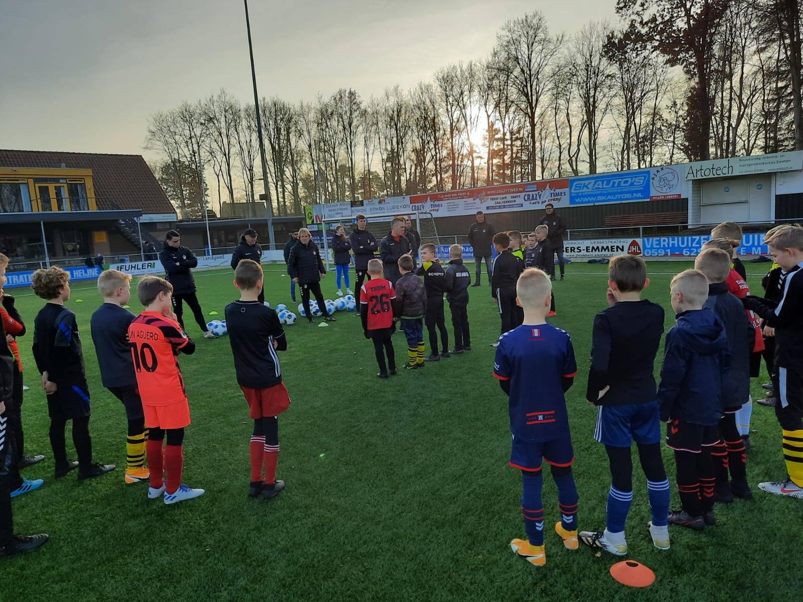 FC Emmen Clinic voor JO9, JO10 en JO11.