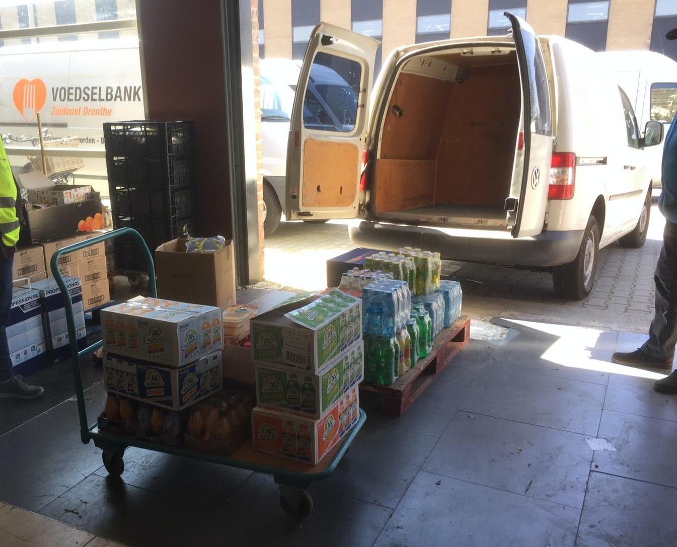 SVBO doneert kantinevoorraad aan Voedselbank